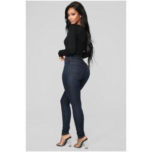 NEW Dark Denim Classic High Waist Skinny Jeans NWT